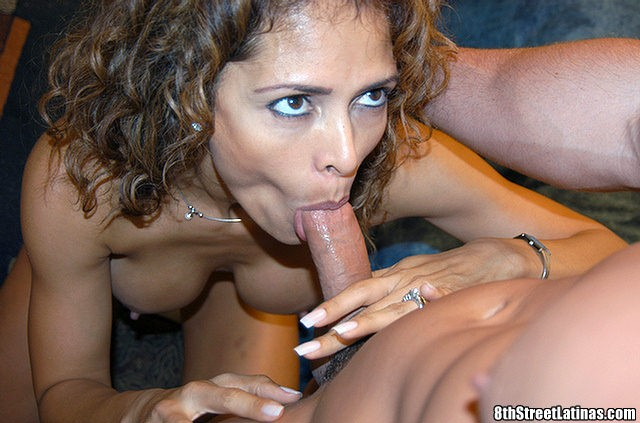 latina lady sucking dick