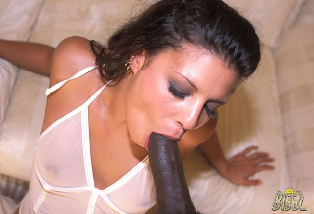 gizelle collens sucking black cock