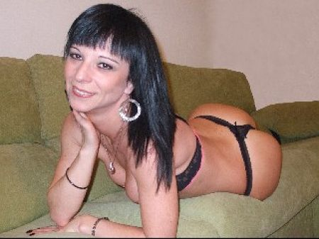 milf cam in her home