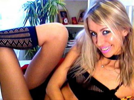 blonde webcam model