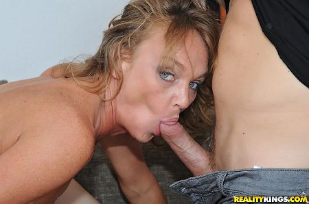 sloppy milf blowjob